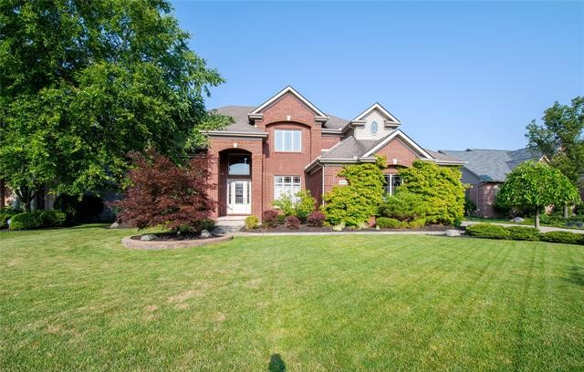 Homes for Sale in Whispering Pines, Livonia, MI